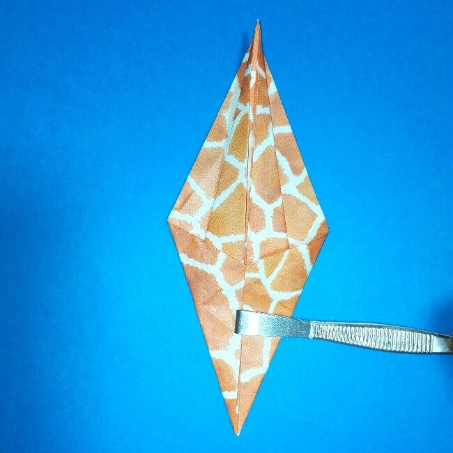 折り紙1枚「キリン」立体の折り方 8-2